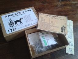 Conditionnement réalisé pour tests d'avaluation en boutique : boîte, fiche d'armée et réglette de jeu